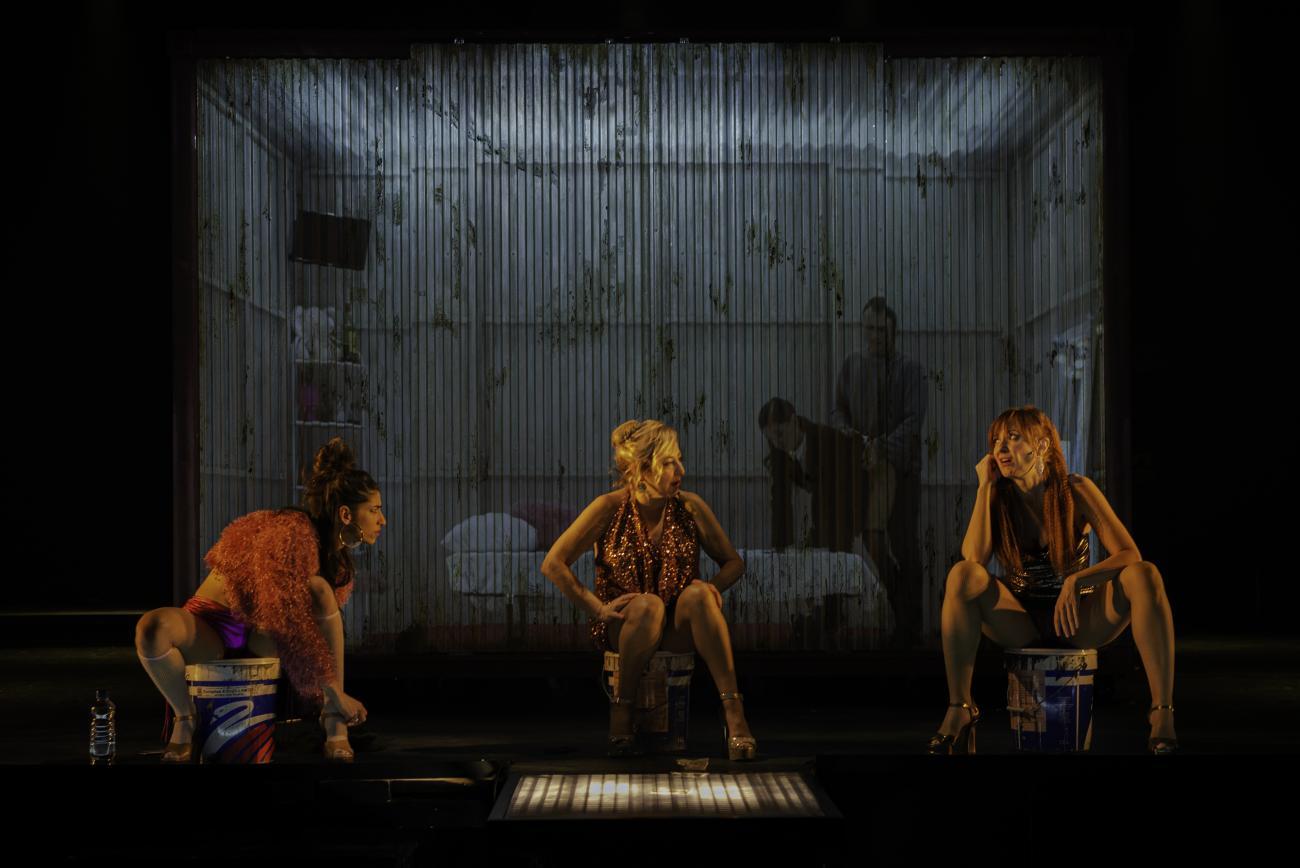 Prostitución | Andrés Lima | Carmen Machi, Nathalie Poza y Carolina Yuste
